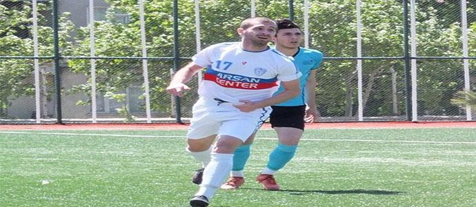 Futbol oynayan genç Gürcü oyuncu Teimuraz  Chilindrishvili ile özel röportaj