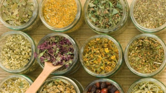 Bilinçsiz Kullanılan Bitkisel Ürünler Sağlığı Tehdit Ediyor