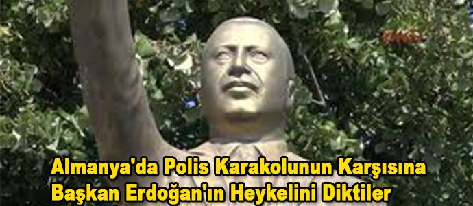 Almanya'da Başkan Erdoğan'ın Heykeli